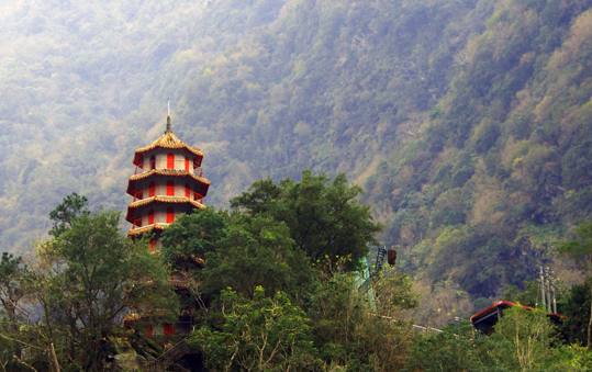 Natur soweit das Auge reicht: Taiwan bietet außerhalb der Hauptstadt Teipeh echte Naturwunder -- wie hier in Shiou Lin Village.