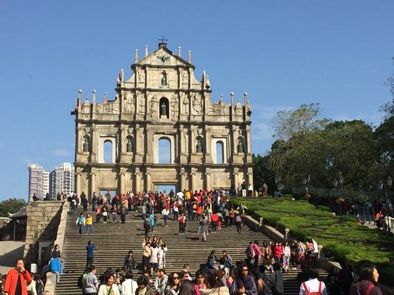 Welterbe und Wahrzeichen Macaus: Die Pauluskirche zeugt von der langen Vergangenheit Macaus. (c) Pohl