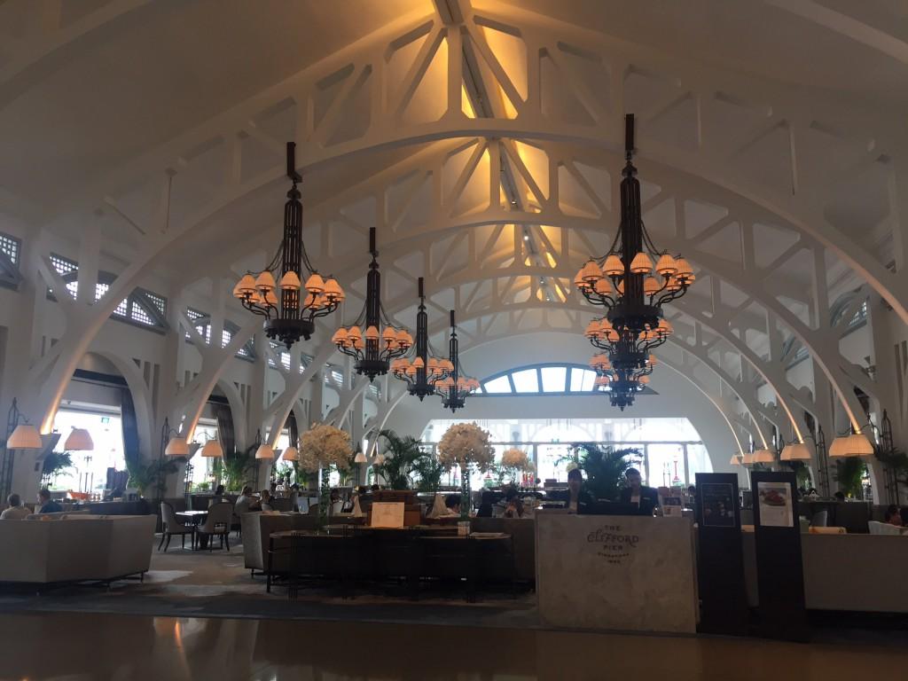 Fullerton Bay Hotel: Wo Singapurs Clifford Pier weiterlebt. (c) Pohl